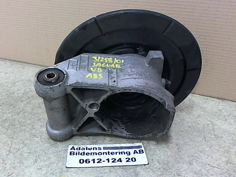 Wheel bearing spindle shaft, Jaguar XK/XK8/XKR -2001