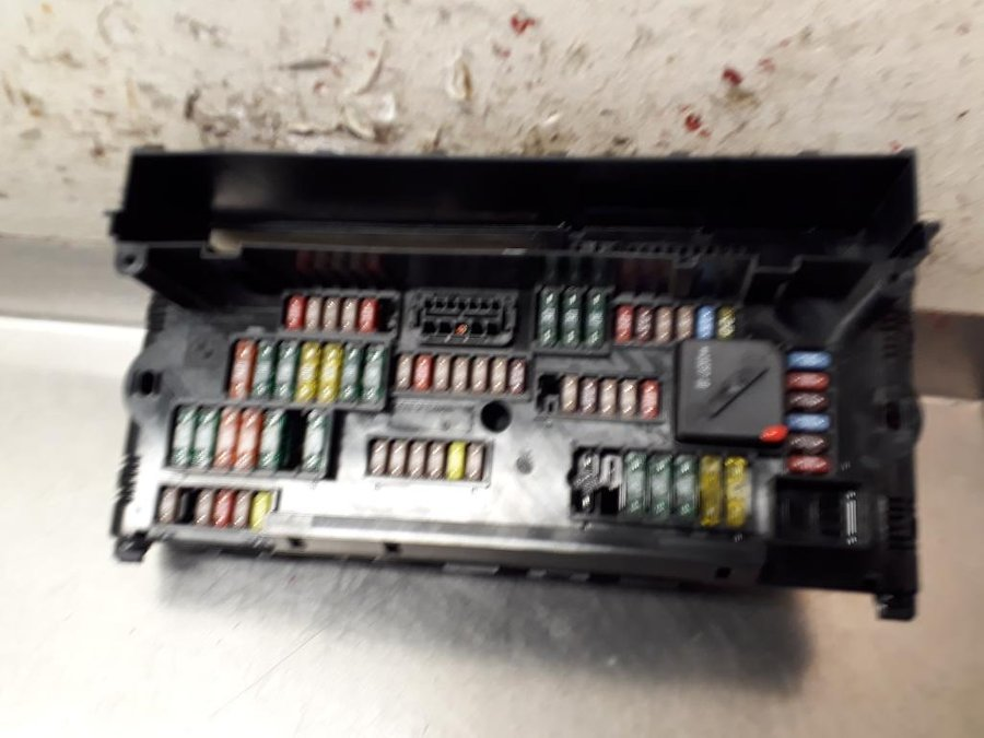 Bmw 5 Series 2010 Fuse Box