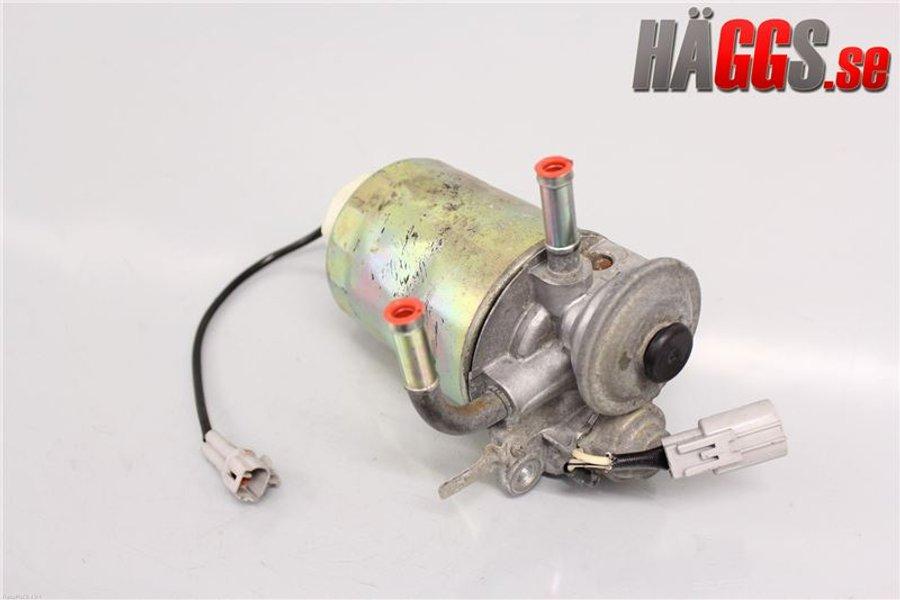 Fuel filter / Holder, Toyota Land Cruiser -2003