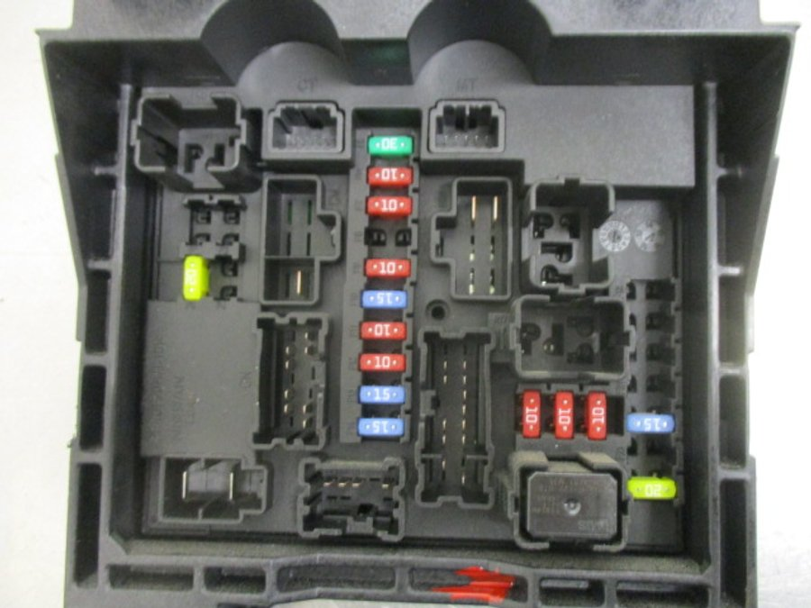 fuse box electricity central 284b6lc40a nissan cabstar 2016 request more images